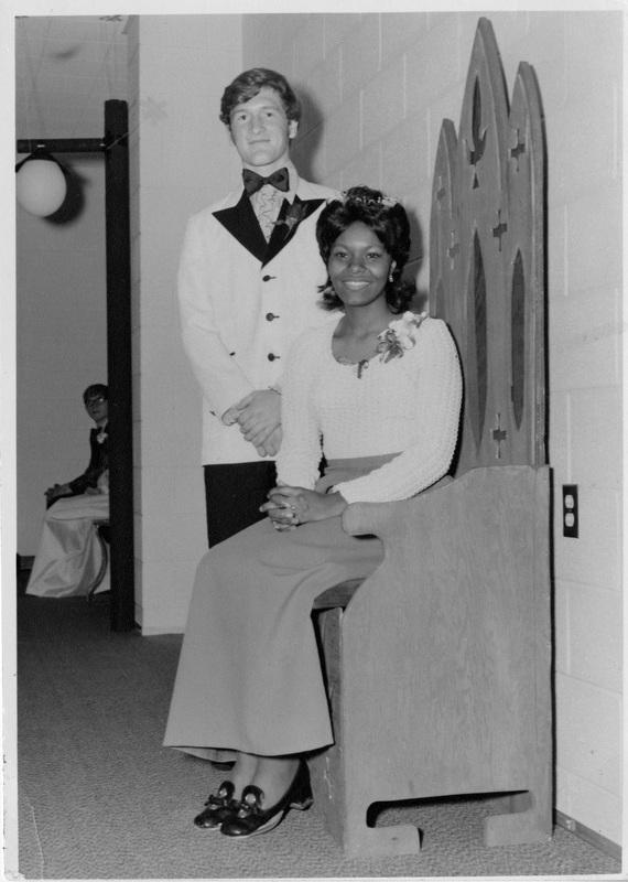 Photograph of Linda Franklin and Bill Clingan, Memorial High School Prom Queen and King, 1972