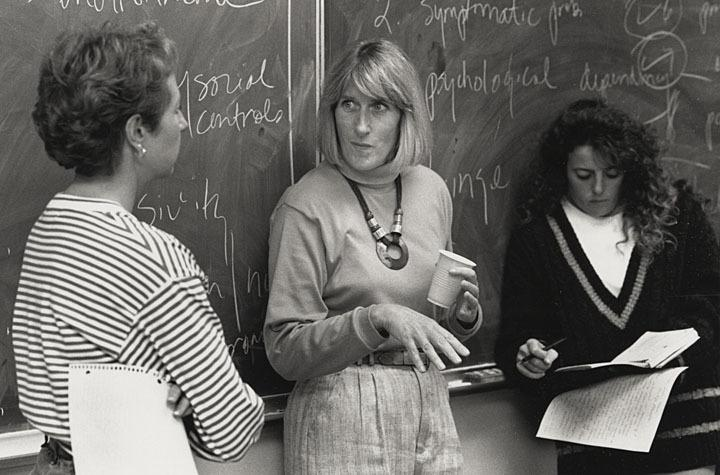 Photograph of Beverly Flanigan with students, 1993