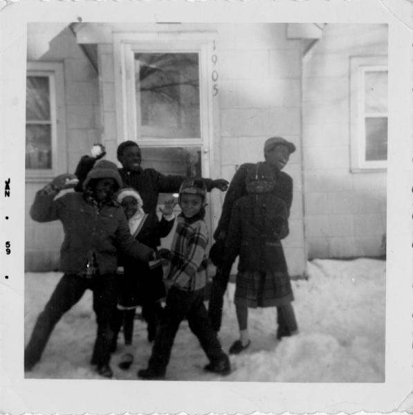 Photograph of Franklin children outside Fisher Street house.